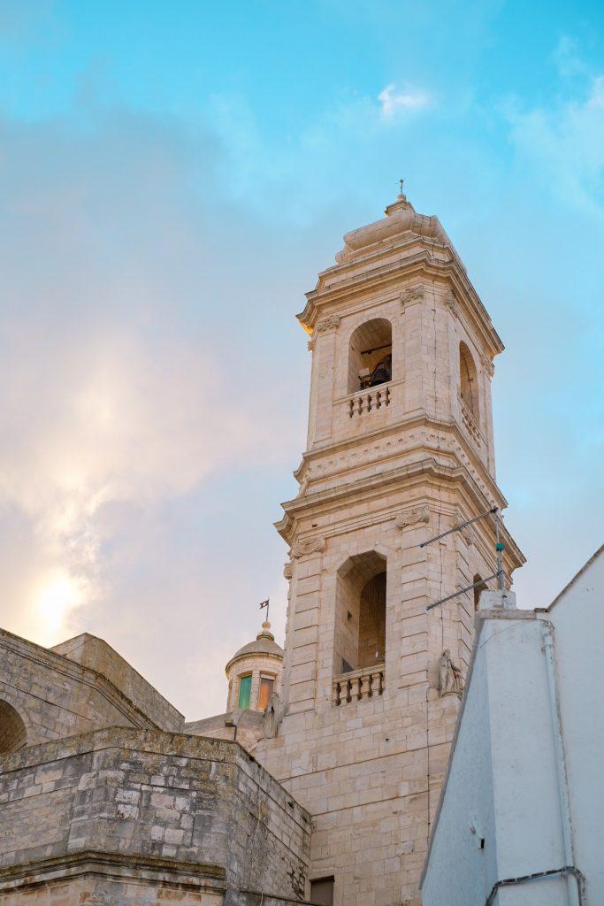 WEEKEND PUGLIA  COSA VEDERE IN PUGLIA  LOCOROTONDO VALLE D'ITRIA
